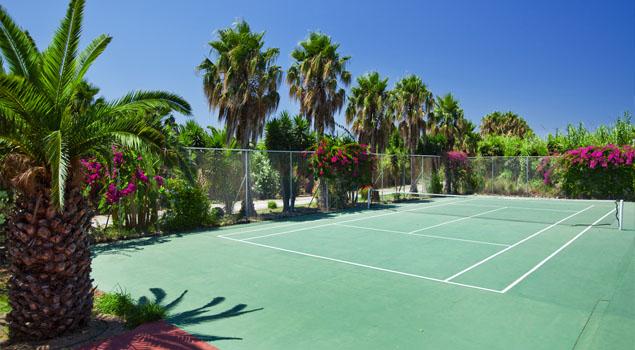 apollon-hotel-tennisbaan
