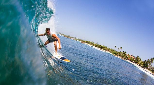 Arugam Bay surfing