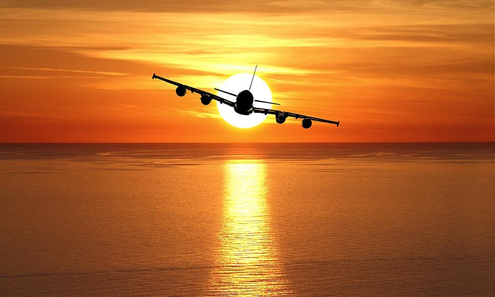 Vliegtuig over zee