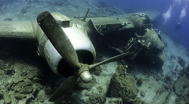 Wrak onder water