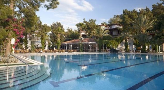 leetonia_hotel_club_zwembad