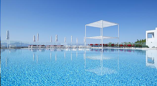 zwembad bij dimitra beach