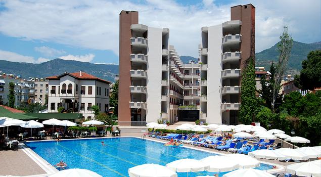 Zwembad bij het Panorama Hotel