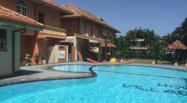 Zwembad bij Paradise Holiday Village