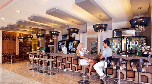 Bar bij Titan Select
