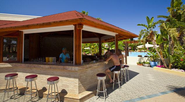 apollon-hotel-poolbar