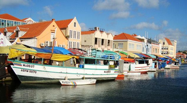drijvende-markt-curacao