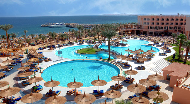 beach-albatros-resort-zwembad