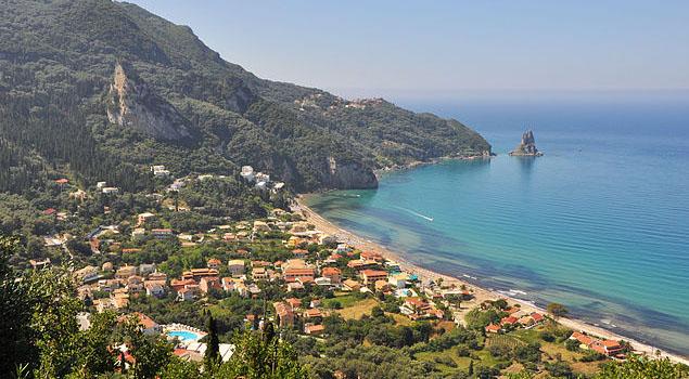 Strand bij Agios Gordios op Corfu