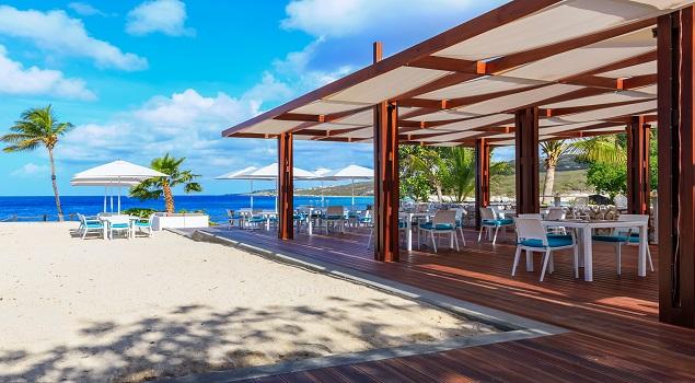 Beach bar Hilton