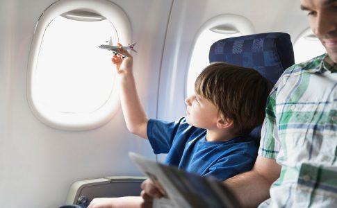 Vliegen met kinderen