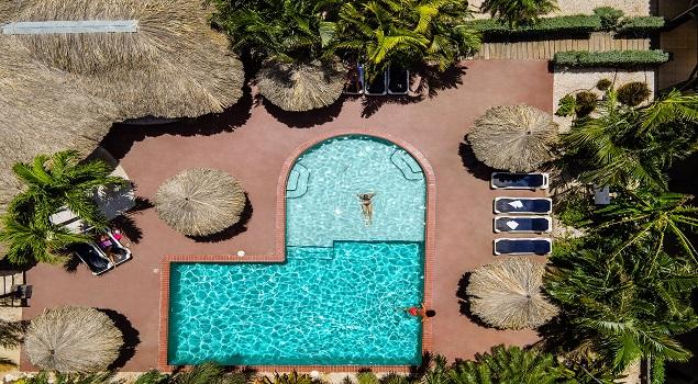 Zwembad bovenaf