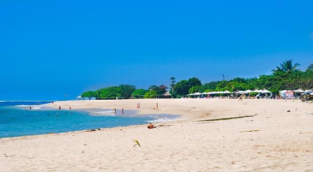 Het brede Kuta Beach